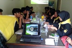Mahasiswa Polinela Belajar Pesisir di Mitra Bentala