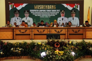 Bupati Lampung Timur Ajak Petani Tanam Pisang
