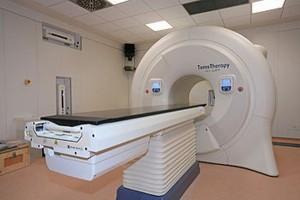 Terapi tomotherapy RSCM lebih murah dibandingkan Singapura