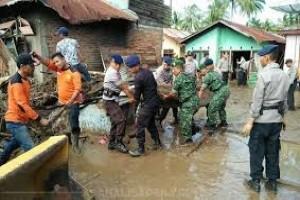 Empat tewas dalam banjir di Padangsidimpuan