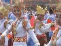 Sekitar seribu pelajar bersama warga Desa Pelindung Jaya Kabupaten Lampung Timur memeriahkan Lomba Desa Berprestasi dengan menampilkan Tari Melinting secara massal di desa itu, Selasa (25/4) (ANTARA LAMPUNG/Muklasin
