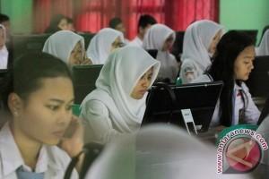 UNBK SMA/SMK mulai 2018 harus 100 persen