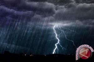 BMKG Lampung: Waspadai Hujan Lebat Dan Kilat