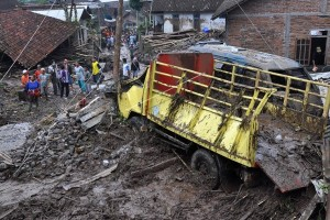 Lima Korban Banjir Bandang ditemukan Tewas
