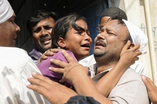 Wanita India tewas digebukin setelah diperkosa bergilir