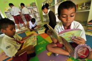 Kembangkan Minat Baca Anak Sejak Dini