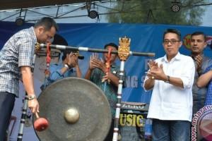 Pemprov Lampung Canangkan Pasirsakti  Lamtim Sentra Perikanan