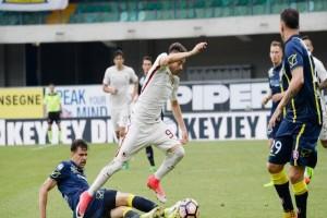 Roma dan Napoli pelihara peluang raih juara