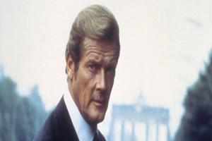 """Roger Moore """"James Bond"""" sebenarnya pemalu"""