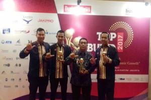 Gubernur Lampung Dapat Penghargaan Pembina BUMD Terbaik