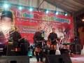 Salah satu peserta menunjukan kebolehannya memainkan gitar klasih khas Lampung, dalam festival budaya yang diselenggarakan Pemkot Bandarlampung. (FOTO: ANTARA Lampung/Roy Baskara Pratama)