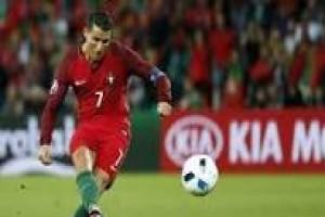 Ronaldo pimpin Portugal taklukkan Latvia
