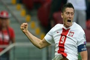 Lewandowski cetak gol, Polandia melaju ke PD 2018