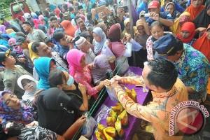 Disperindag Provinsi Lampung Gelar Pasar Murah Di Waykanan