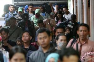 Ribuan Pemudik Masuki Terminal Rajabasa Pada H-3