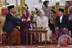 """Senyum Jokowi """"Open House"""" Idulfitri"""