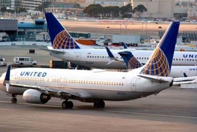 Dipaksa pangku anaknya, United Airlines dituntut seorang ibu