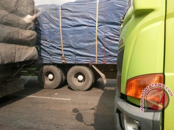 Bupati Waykanan dukung penghentian truk batu bara
