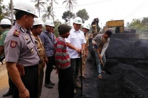 Lamteng libatkan warga bangun jalan terpanjang di Lampung