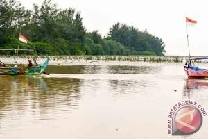 Nelayan Lampung Timur Minta Jaminan Ketersediaan BBM