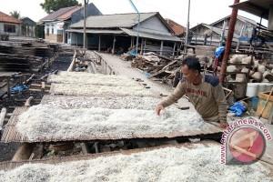 Produksi teri Pulau Pasaran terkendala garam