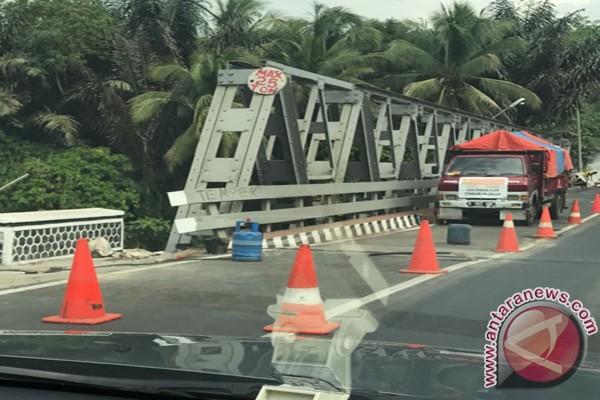 Masyarakat Waykanan bentuk posko truk batu bara