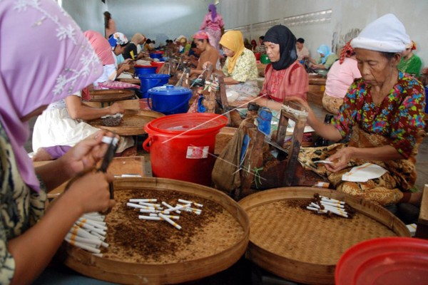 YLKI: Akuisisi Gudang Garam Ancaman Bagi Buruh