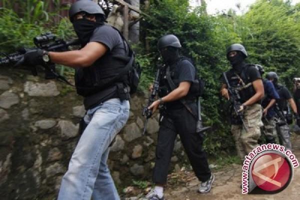 Tiga Terduga Teroris di Jambi Diamankan Polisi