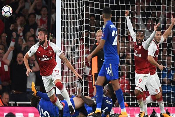 Sundulan Giroud Pastikan Kemenangan Arsenal Atas Leicester