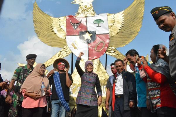 Karnaval HUT Kemerdekaan di Lampung Timur Meriah