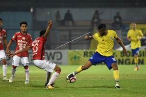 Bali United Tundukkan Persegres GU 3-1