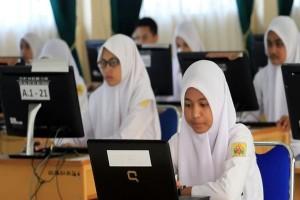 Wali Murid Minta Siswa Tak Dibebani PR