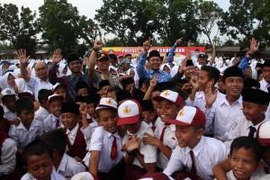 "Bupati Lampung Tengah Tolak ""full Day School"""