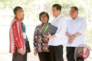 Anggota DPR Apresiasi Presiden Serahkan Sertifikat Tanah