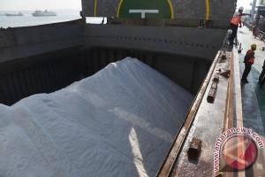 Polri Gagalkan Penyelundupan 15 Ton Garam Ilegal