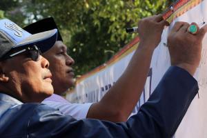 """Bupati-Wakil Canangkan Gerakan Lampung Tengah """"Dawak"""""""