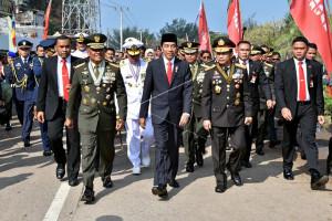 Presiden: TNI Harus Bersatu dengan Institusi Lain