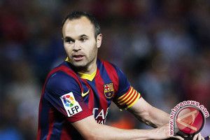 """Iniesta Setuju """"Kontrak Seumur Hidup"""" Dengan Barcelona"""