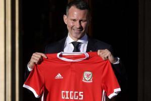 Giggs resmi latih Timnas Wales