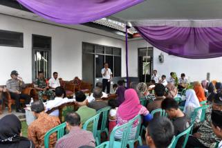 PT KAI sosialisasikan aset ke warga bantaran rel