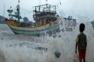 BMKG peringatkan waspadai gelombang tinggi pelabuhan Krui Lampung