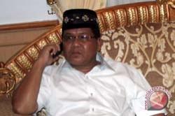 Massa Diminta Hentikan Pendudukan Kantor DPRD Mamasa