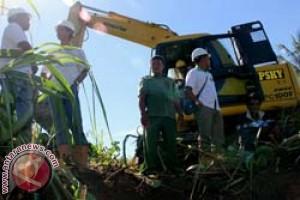 Perusahaan Sawit Perbaiki Jalan di Matra