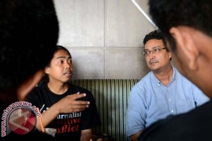 Jurnalis Desak Polisi Tangkap Tersangka Penyerangan Celebes TV