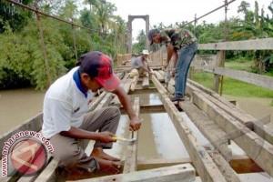 14 jembatan diperbaiki perlancar pengangkut turbin PLTB