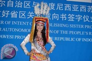 Putri Indonesia Sulbar Promosikan Budaya ke China