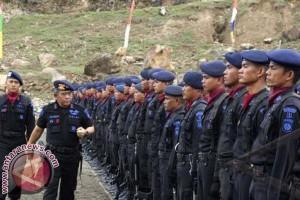 Satu peleton Brimob untuk pilkada Toraja Utara