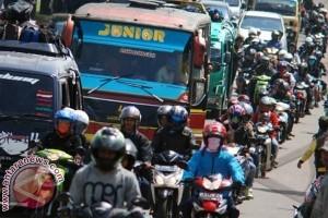 Arus mudik Lebaran mulai padati Trans Sulawesi