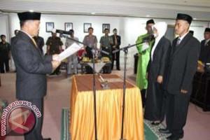 Dua Anggota DPRD Mamuju Dilantik