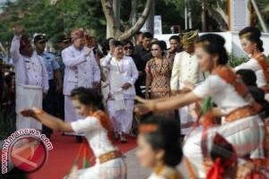 Presiden Kunjungi Kuburan Gua Alam Adat Toraja